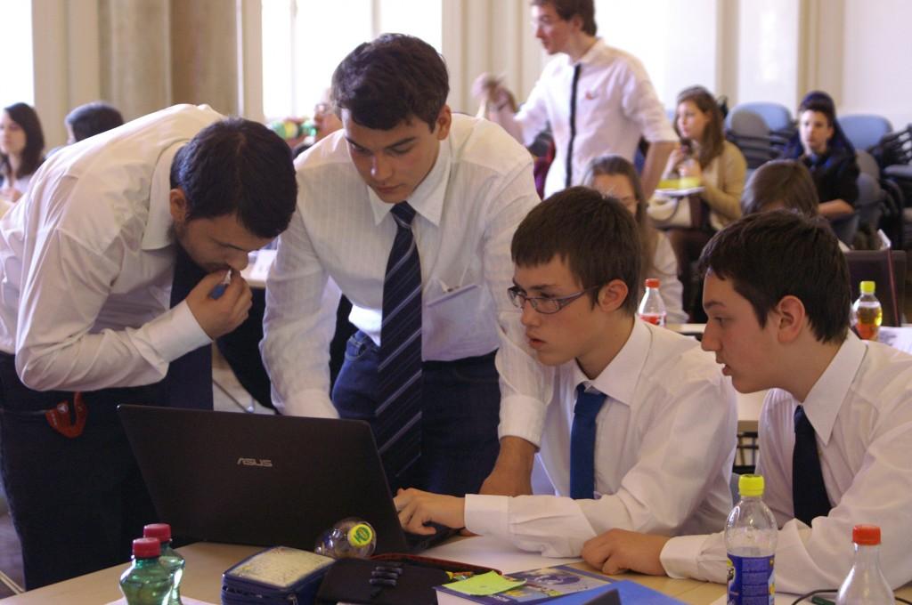 Montanuniversität als Drehscheibe für internationale Jung-Physiker