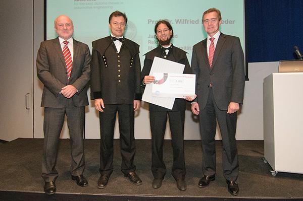 Dipl.-Ing. Clemens Krautgasser (2.v.r.) erhielt den dritten Preis des Johann Puch Innovation Awards.