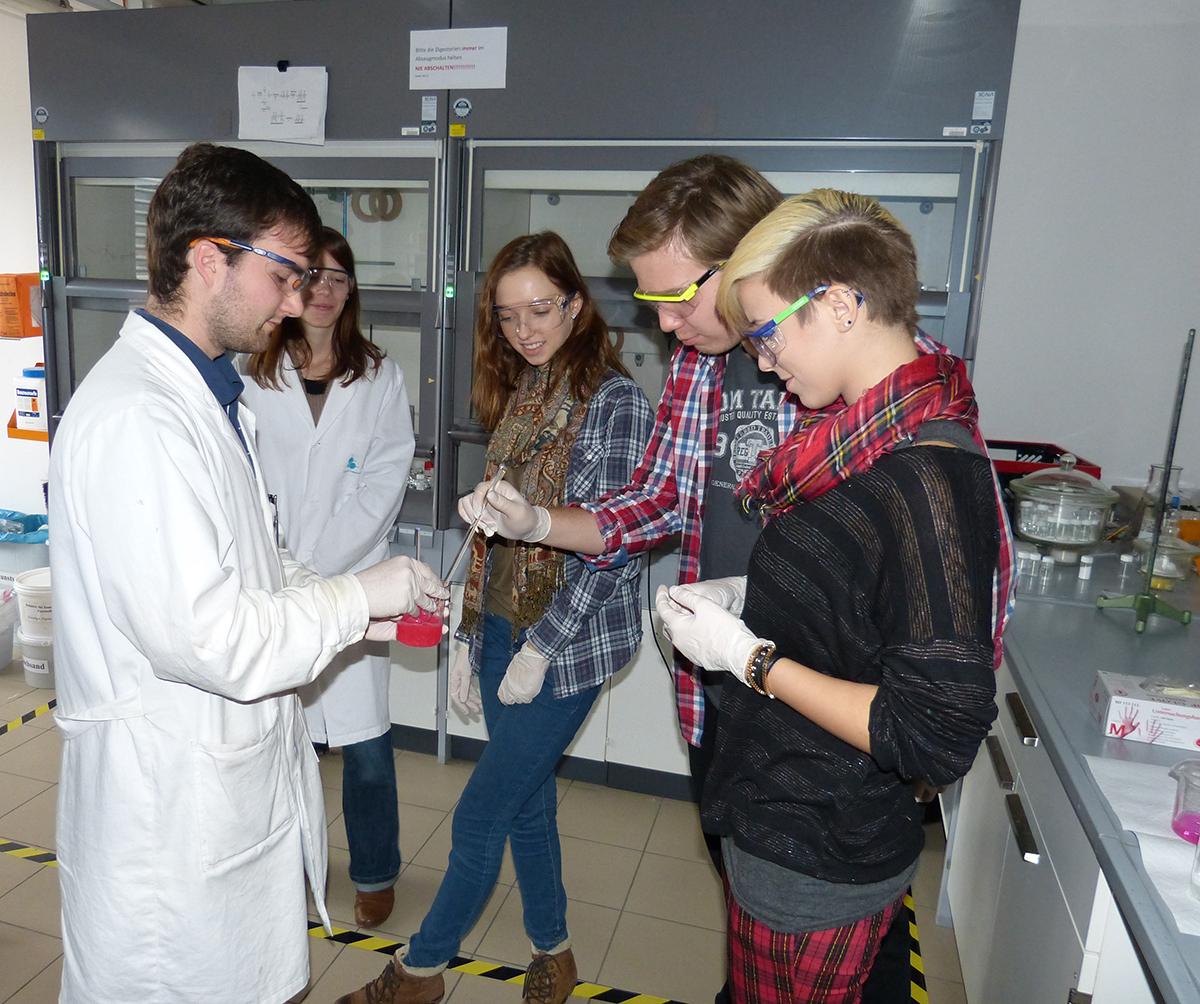 Mit Take Tech die Welt der Polymere kennenlernen
