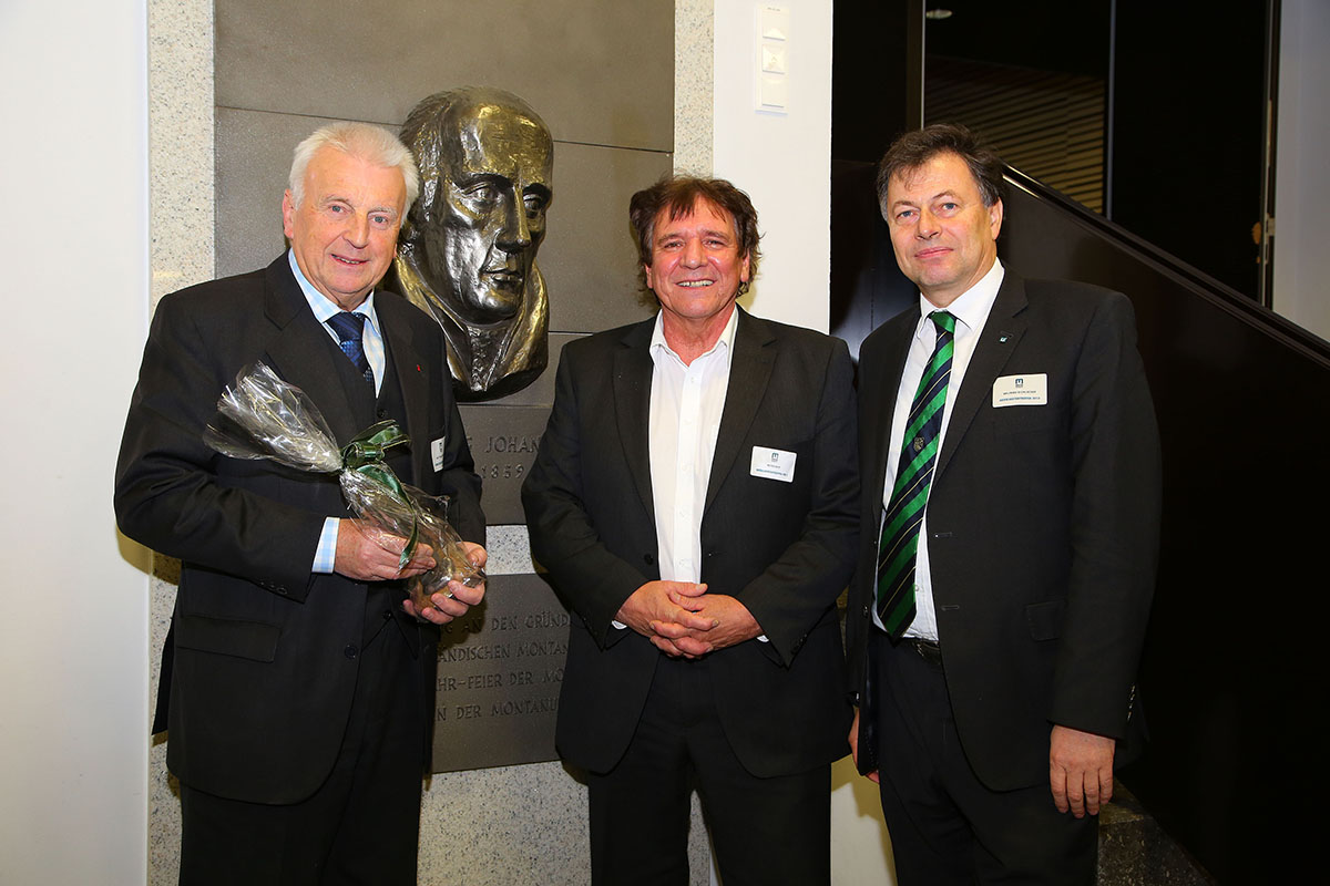 Rektor Wilfried Eichlseder (re.) mit Bürgermeister Dr.  Matthias Konrad (li.) und Dr. Peter Reif (mitte)