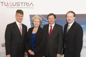 v.l.n.r. Rektor Harald Kainz (TU Graz), Rektorin Sabine Seidler (TU Wien), Rektor Wilfried Eichlseder (Montanuniversität Leoben), Dr. Christian Helmenstein (ECONOMICA)