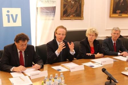 Industrie: Technische Universitäten als Innovationsfaktor Österreichs im internationalen Wettbewerb